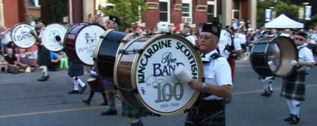 kincardine-scottish-pipeband-parade